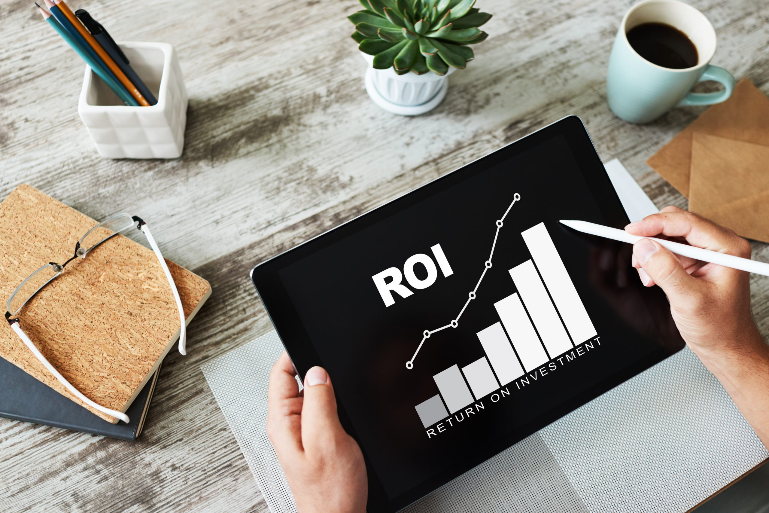ROI, Return on investment, Business and financial concept, Real estate investment